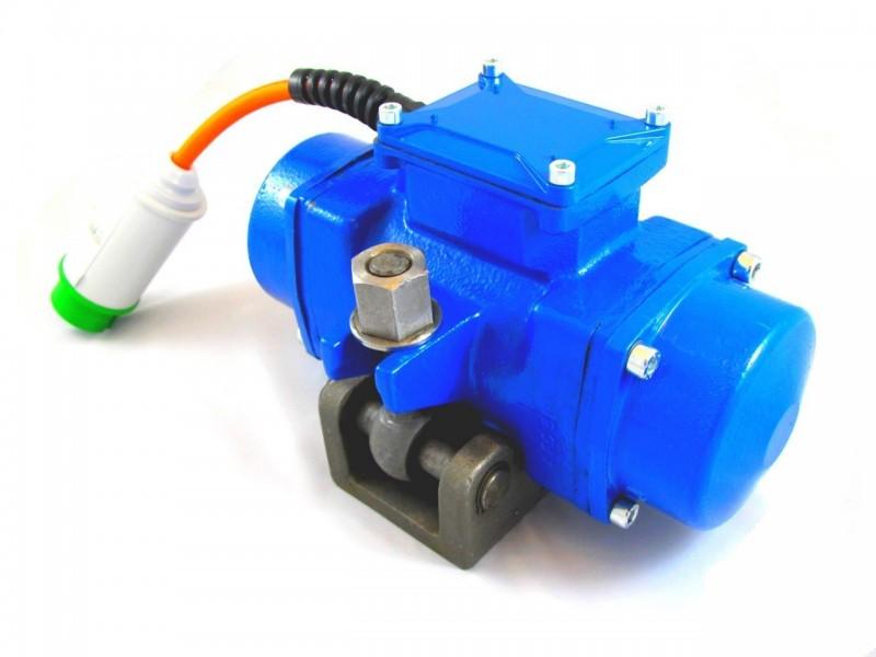 - Vibrador externo alta frecuencia para encofrados serie EAHF 42V (frecuencia fija 200 Hz)