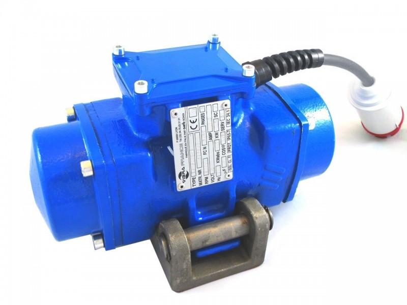 - Vibrateur externe de coffrage haute frequence série EAHF 400 V (fréquence variable 0 à 100 Hz)